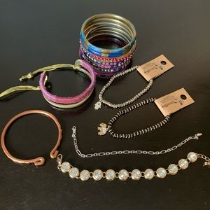 Bangle bundle of 17 individual pieces
